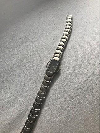 Gümüş rengi vintage saat