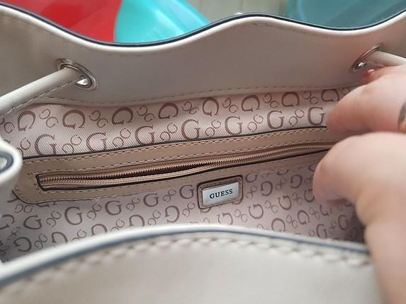 Guess tek kelime ile efsane bir çantadır