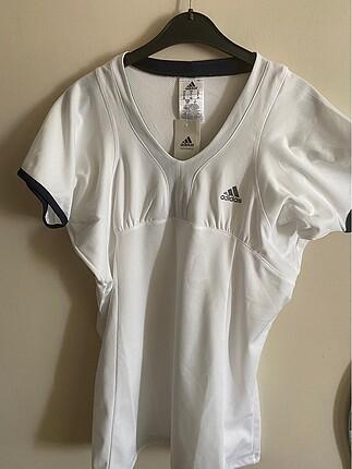 Orjinal Adidas v yaka tişört