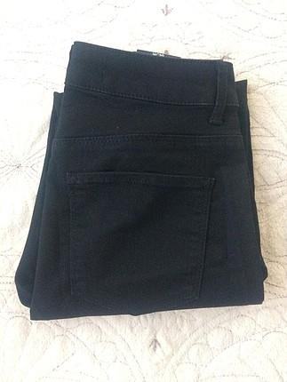 29 Beden siyah Renk pantolon