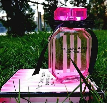 Victoria'S Secret Bombshell EDP Kadın Parfüm 100 ml (ORJİNAL TES