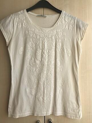 Beyaz Baskılı Tshirt