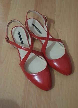 Zara Kırmızı Babet