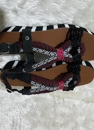 Platformlu sandalet