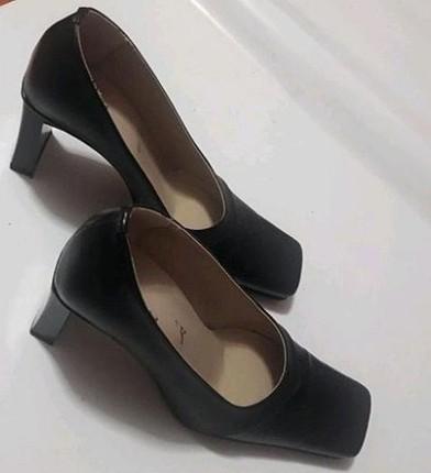 siyah topuklu abiye ayakkabı