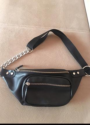 Zara Siyah Zincirli Bel Çantası