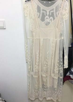 Dantelli uzun elbise