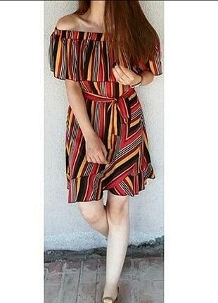 Çizgili kuşaklı kısa elbise