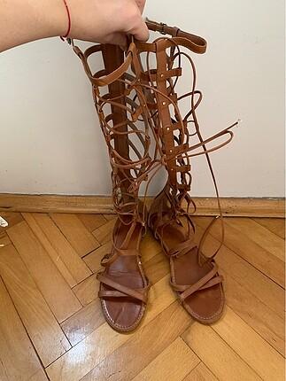 Vince Camuto taba gladyatör sandalet