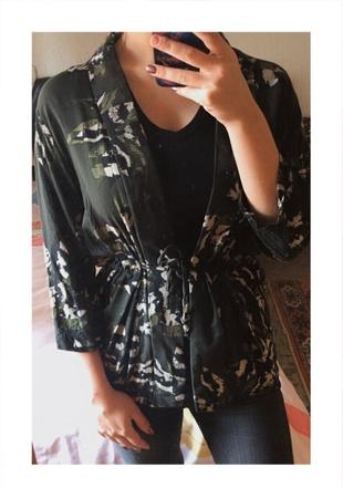 Kamuflaj desenli kimono