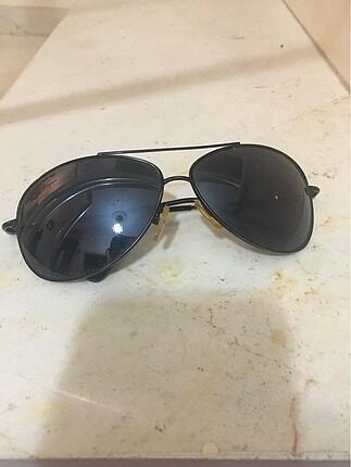 Güneş gözlüğü birkaç kez kullanıldı