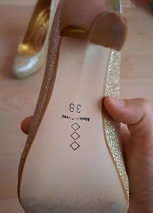 Topuklu gold ayakkabi