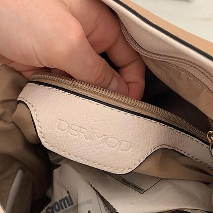 Çok şık deri yumuşak dokusu olan çanta