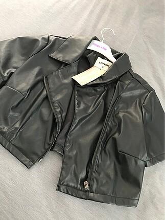 Mini deri ceket