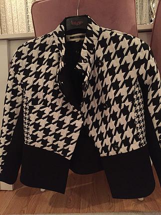40 Beden siyah Renk İpekyol ceket