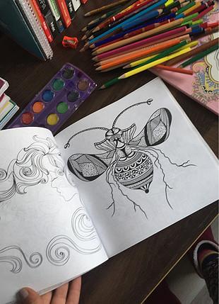Boyama kitapları ve boyalar