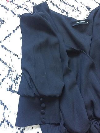42 Beden siyah Renk Kol detaylı siyah elbise