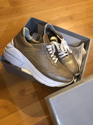 Hotiç 37 gold sneaker