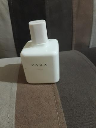 zara femme parfüm.