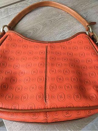 Çok çok az kullanıldı. Koyu turuncu, şık bir kol çantası ???? #v