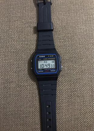 Casio su geçirmez dijital saat