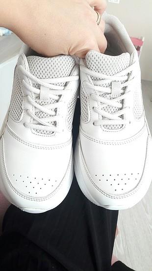 zara editörlerin tercihi spor ayakkabı