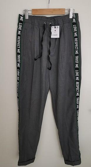 Bershka füme rengi etiketli pantalon
