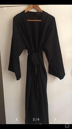 Siyahlı kimono