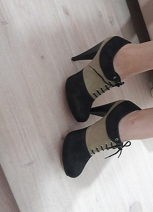 siyah platform bağcıkli ayakkabı