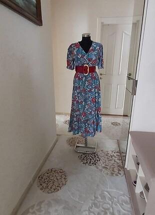 Çiçekli uzun yazlık elbise
