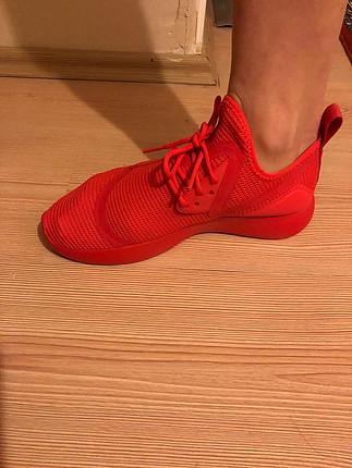 38 Beden kırmızı Renk Nike yeni spor ayakkabı kırmızı