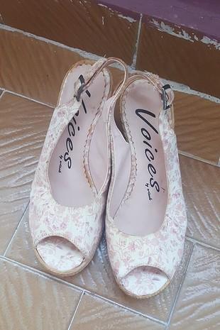 dolgu topuk çiçekli ayakkabı