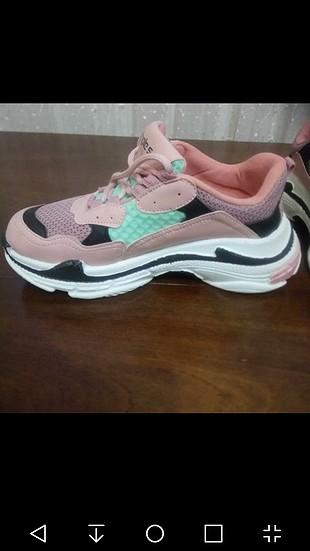 balencia. spor ayakkabı