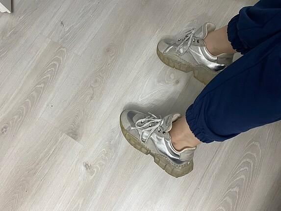 39 Beden gri Renk Gri spor ayakkabı