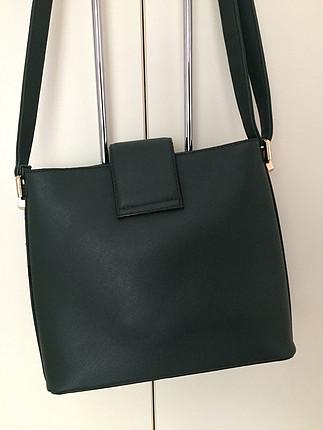 Koyu yeşil çanta