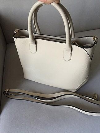 Krem rengi askılı çanta