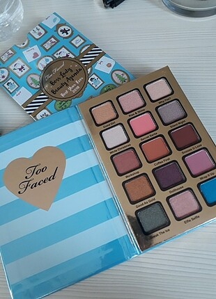 Too faced palet