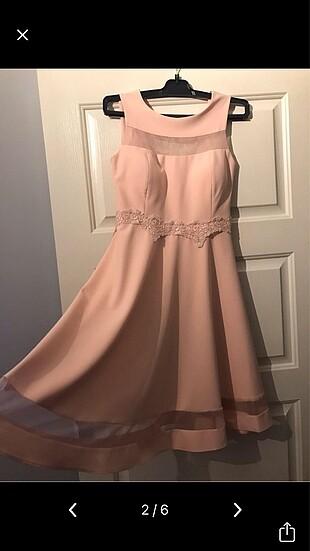 Açık pembe elbise