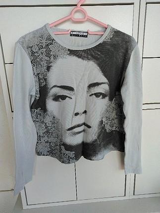 Claire kollu tişört