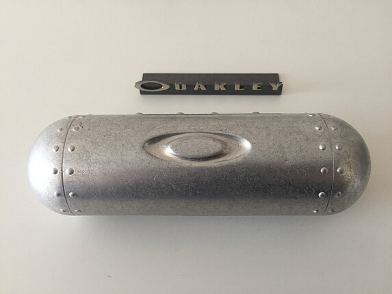 Oakley Metal Kapsül Kutu