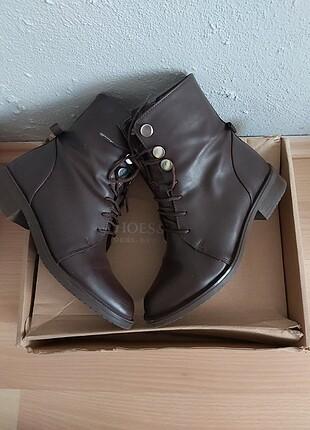 Shoes&More kahverengi postal tipi bot