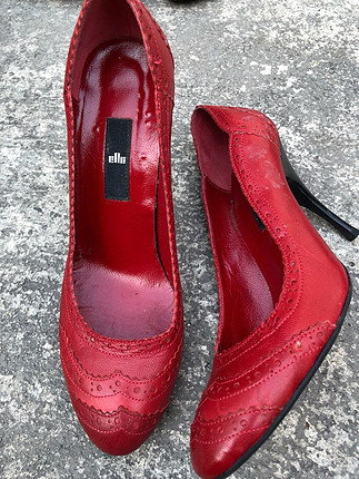 38 Beden Elle kırmızı deri ayakkabı