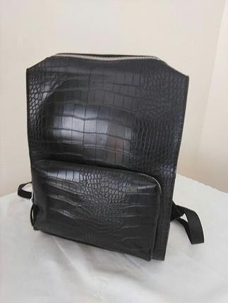 Zara timsah derisi kabartmalı sırt çantası