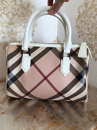 Burberry logo speedy white