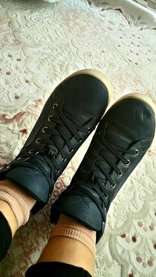 spor ayakkabı ????
