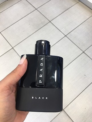 Prada black EDP