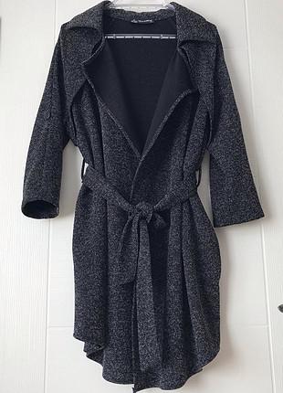 s Beden Siyah beyaz cepli dış giysisi