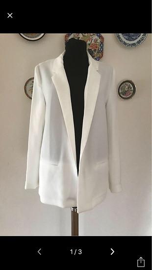 Sıfır etiketli beyaz renk #blazer #ceket