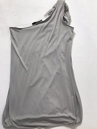Tek omuz omuzu detaylı elbise
