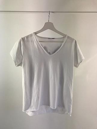 Sırtı kanatlı tshirt